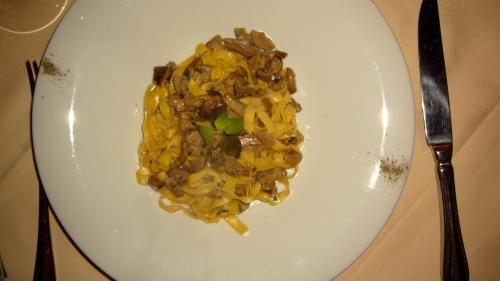 Tagliatelle con Porcini and Nipitella alla Toscana